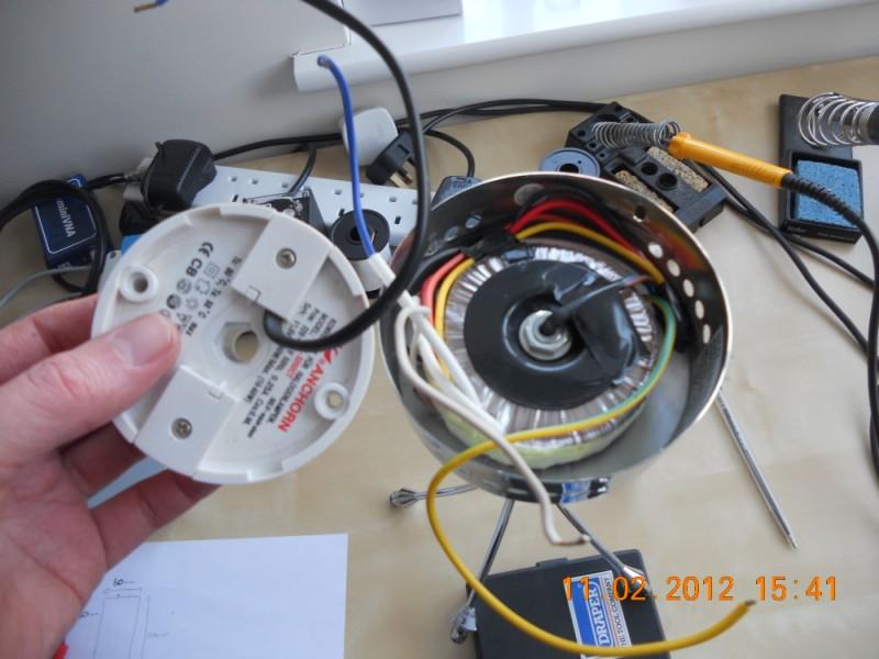 Low voltage pendant lights